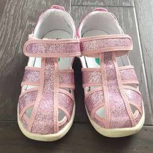 Naturino express Velcro sandals size 12